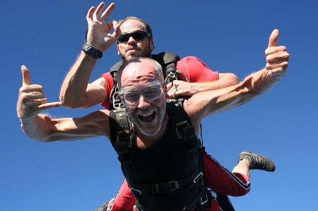 skydiving-710981_640